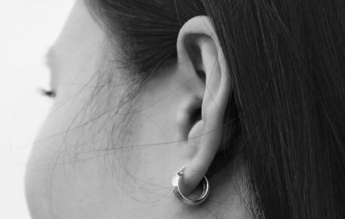 ronzio all'orecchio